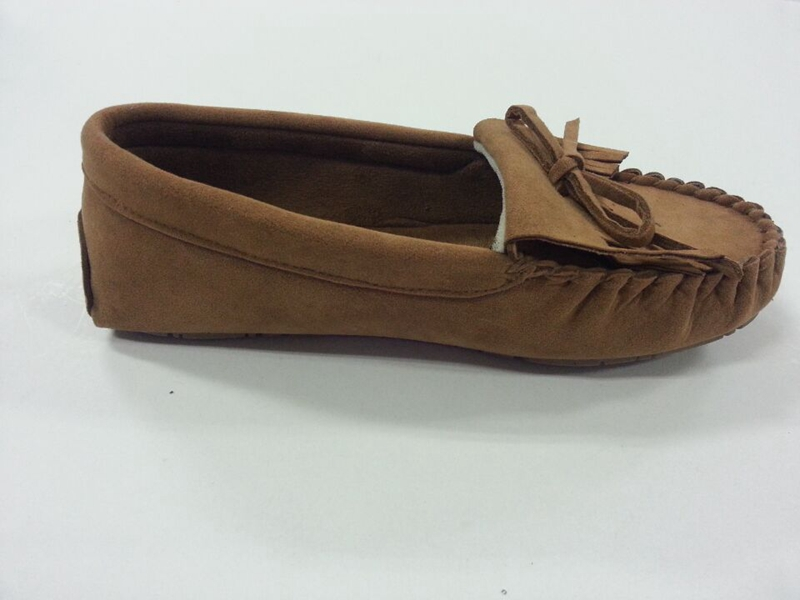 Woman's Warm Moccasin Shoes with Tied in a Bow