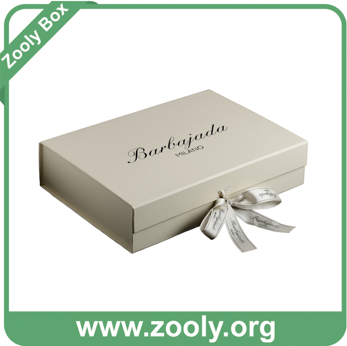 Rigid Cardboard Paper Foldable Cosmetic Box with Window
