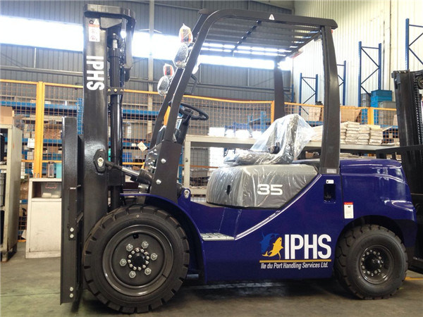 Carretilla Elevadora 3.5 Ton Diesel Forklift with Isuzu Engine