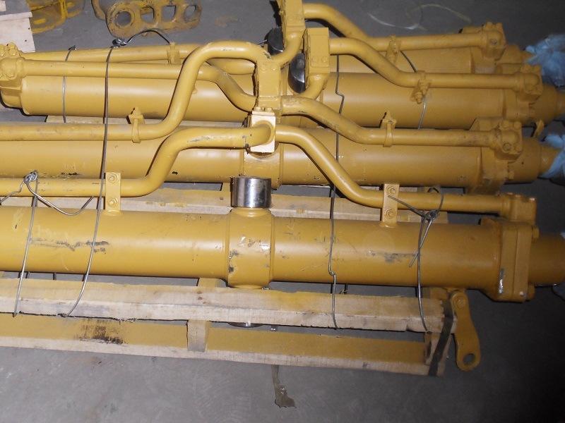 Shantui Dozer Ripper Tilt Cylinder (175-63-42700 175-63-13400)