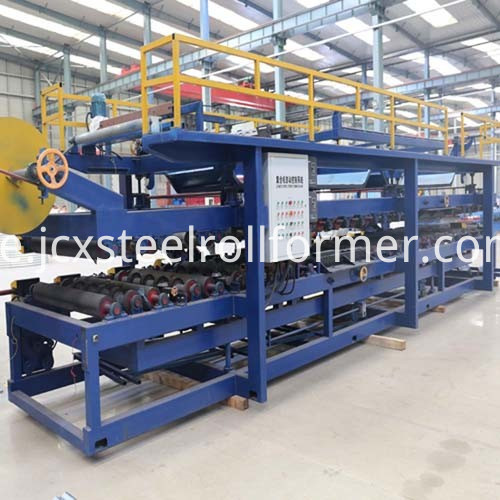 EPS och Meneral Wool Sandwich Panel Production Line