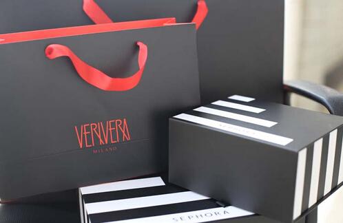 Delicate Cosmetic Cardboard Gift Box