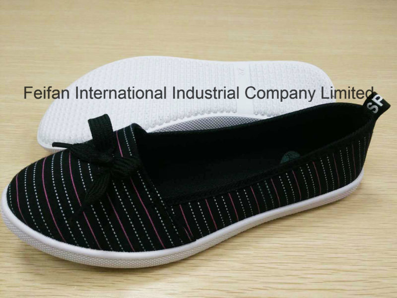 Leisure Outdoor Canvas Injection Shoe with Good Price for Women