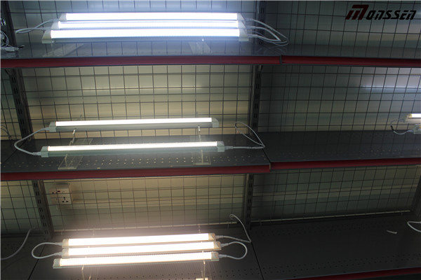 130lm/W Milky-Cover T8 LED Tube with Ce RoHS Approval (CRI>80)
