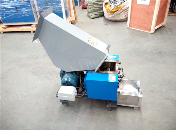 Waste Plastic Crusher Small Crusher Cheap Crusher Multifunctional Crusher Plastic Crushing Machine