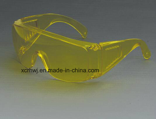 Clear Lens with Yellow Frame Safety Goggles, Protective Eyewear, Safety Eye Glasses, Ce En166 Safety Glasses, PC Lens Safety Goggles Supplier