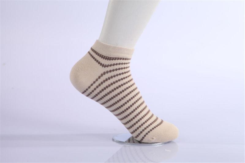 2016 Fashion Wholesale Woman Cotton Socks