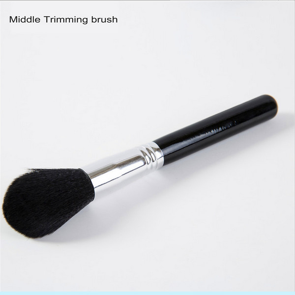 Professional Soft Fiber Angled Flat Top Single Foundation Powder Brush