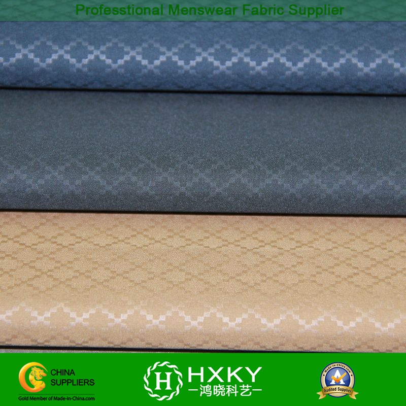 Diamond-Type Embossing with Polyester Fabric in Men's Wind Coat or Jacket