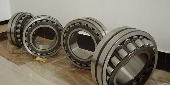 SKF/NSK/NTN 23264ca Spherical Roller Bearings 23260, 23268, 23272