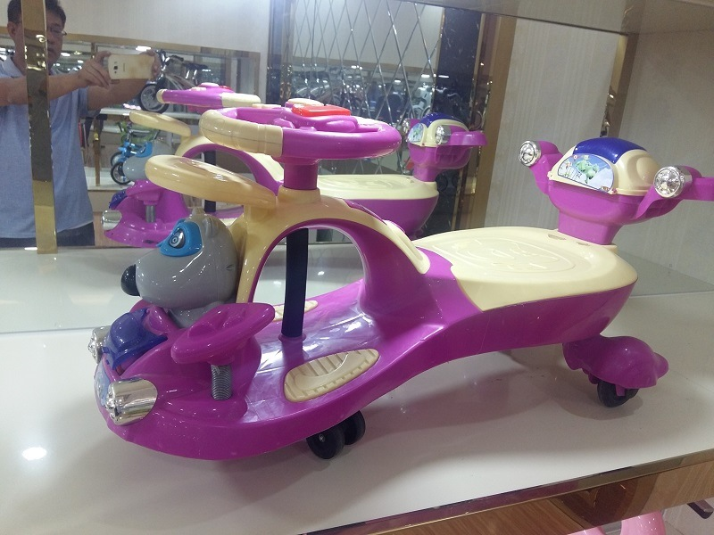 Cheap Popular Plastic Children Twist Cars
