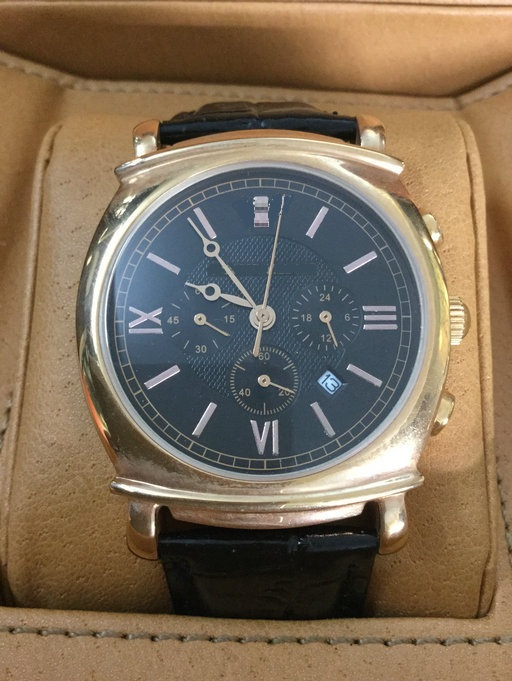 Means Quartz Watch with Pushers and 3eyes on Dial with Date Window