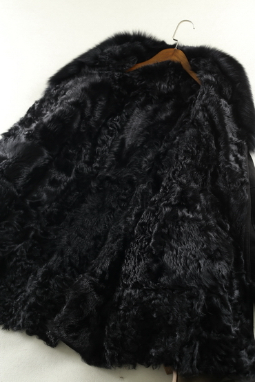 Black Lady's Shearing Leather and Fur Jacket Long Style Fox Fur