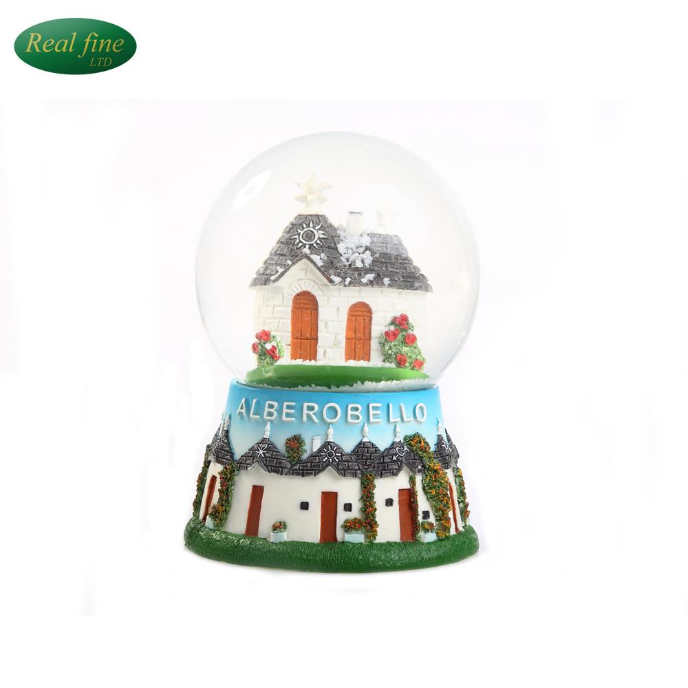 High Quality Resin Glass Snow Globe for Tourist Landscape Souvenir