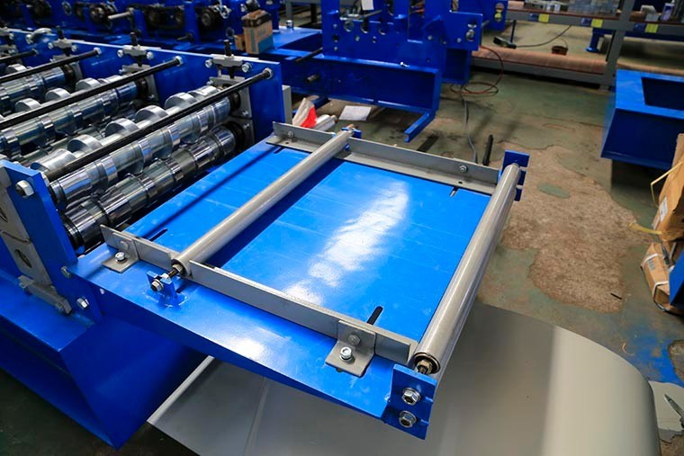 Cold Joint Hidden Roof Panel Roll Forming Machine
