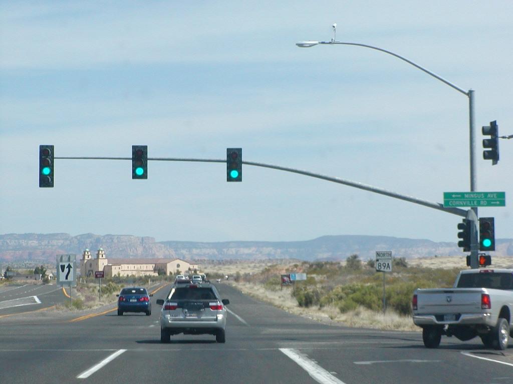 Traffic Light Poles Manufacturer