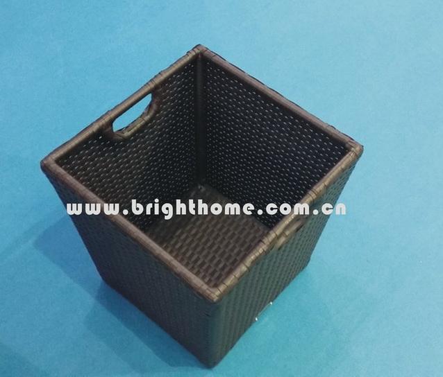 Storage Basket / Towel Basket