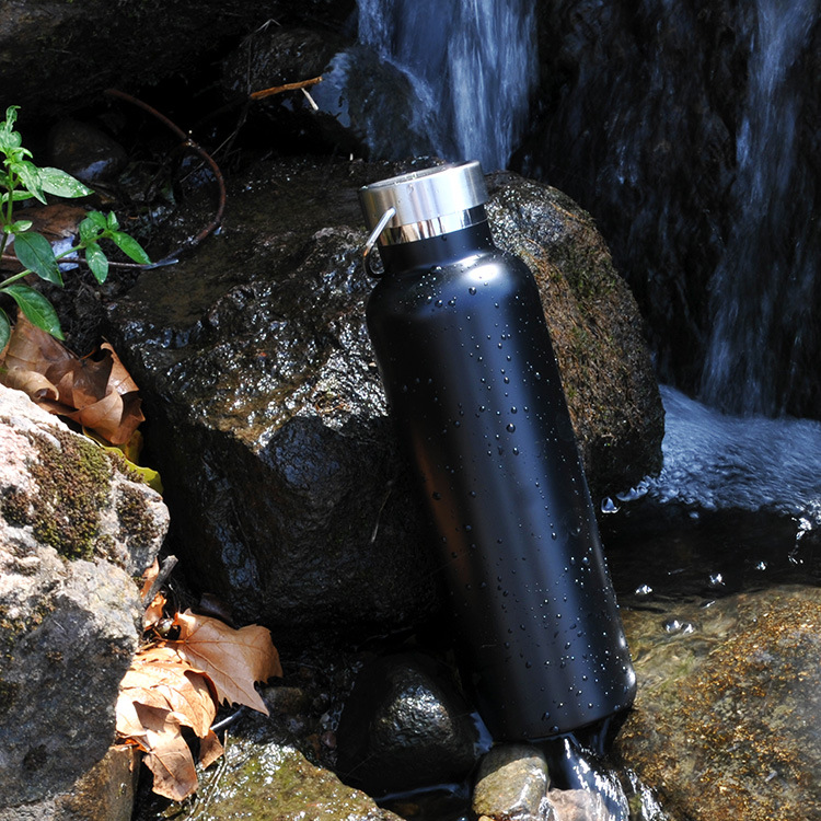 Vacuum Insulated Stainless Steel Water Bottles