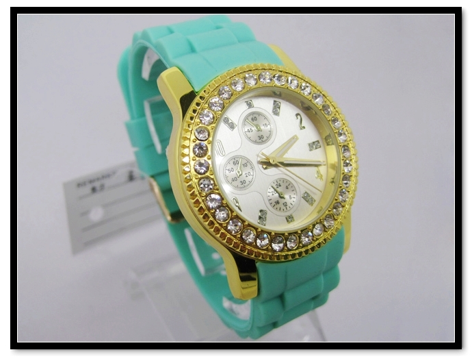 Hanglee-1524 Wholesale Silicone Band Gold Plated Wrist Watches