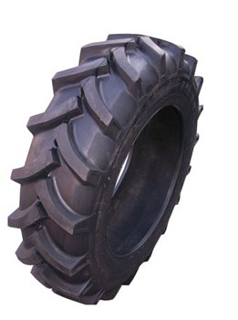 R2 Pattern Tractor Tire (18.4-34)