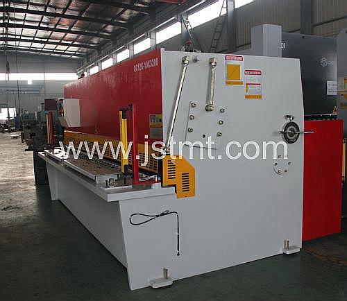 Sheet Metal Nc Shearing Machine with Laser (QC12K-10X3200)