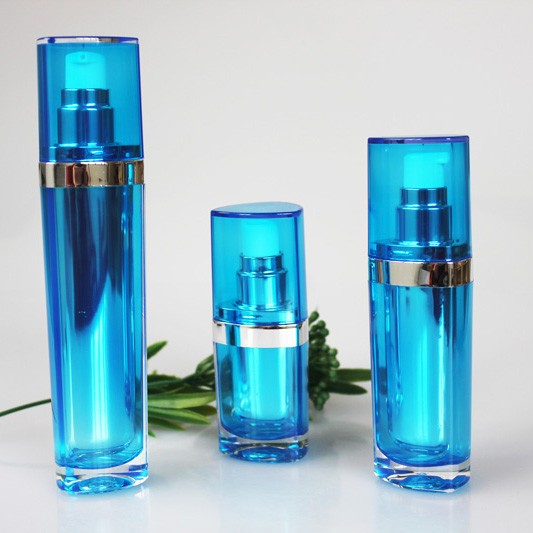 15ml 30ml 50ml Heart Shape Pump Spray Acrylic Lotion Bottle Empty Plastic Bottle for Cosmetics Packaging Container