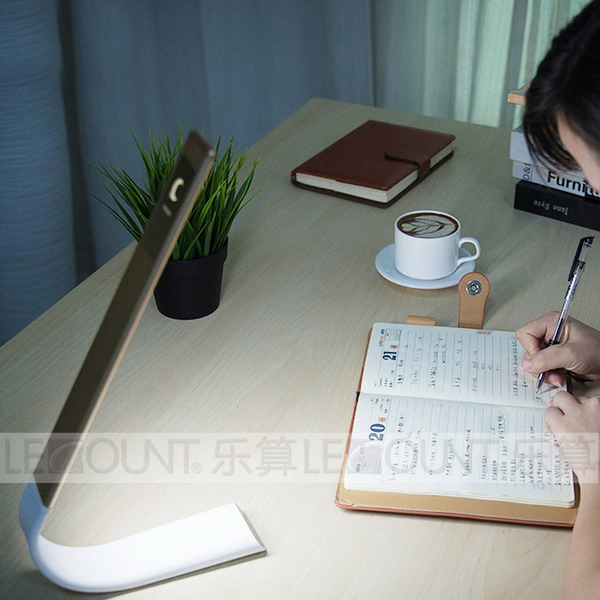New Aluminium Touch LED Table Lamp (LTB860)