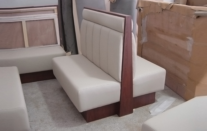 Modern Style Wooden Leather Dining Room Sofa