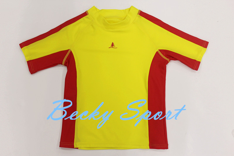 Short Sleeve Rashguard Rash Guard for Children with Contrast Color and Logo Print at CF
