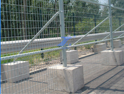 Temporary Event Fencing with Concrete Feet