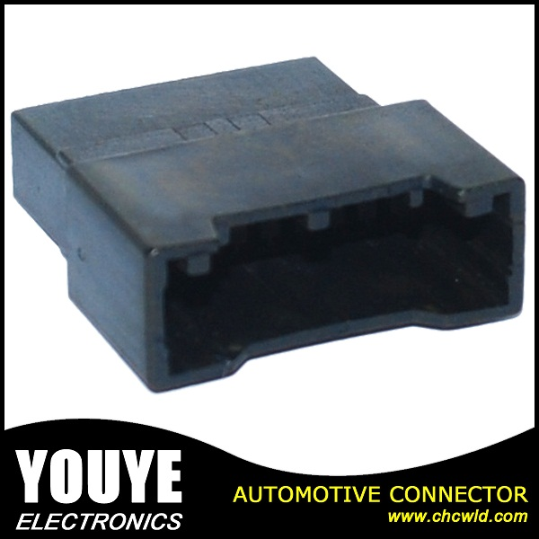 Tyco/AMP Series 18 Pin Automotive Waterproof Wire Harness Female Connector