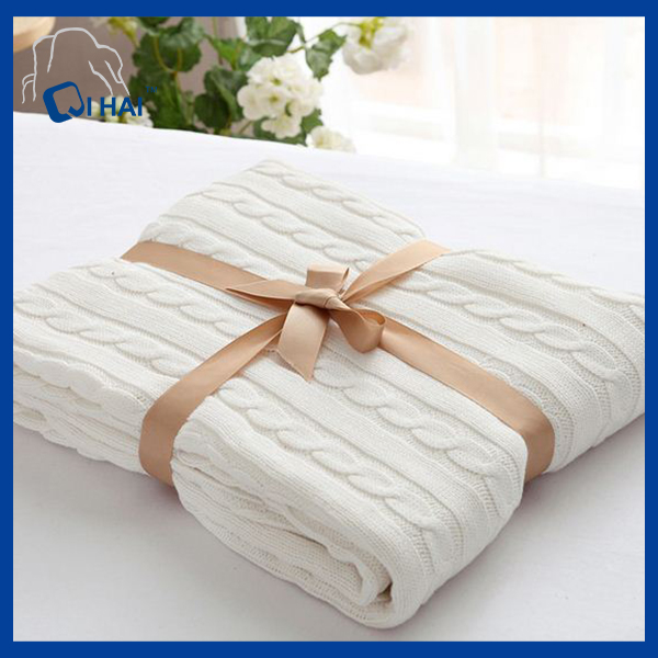 High Quality Hemp Flowers Cotton Blanket (QHBL0091)