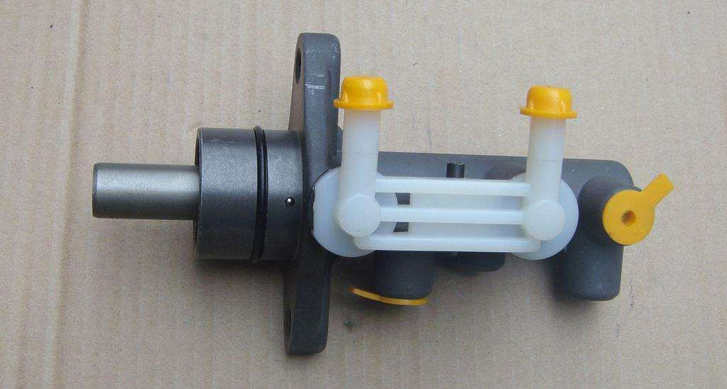 Brake Parts Brake Master Cylinder for Ford Series