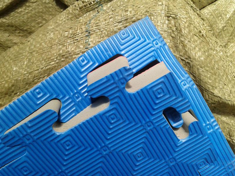 Jigsaw Puzzle, Mat
