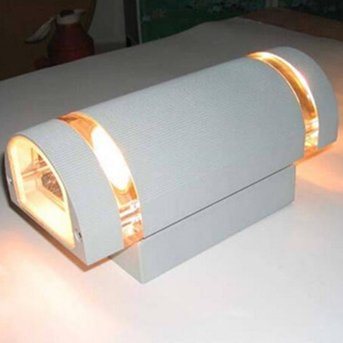 High Quality Two Sides 3W*2 Outdoor LED Wall Light with Ce