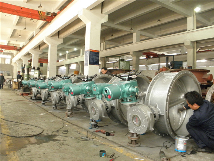 China Manufacturing Cast Iron Pneumatic Flange Type Butterfly Valve