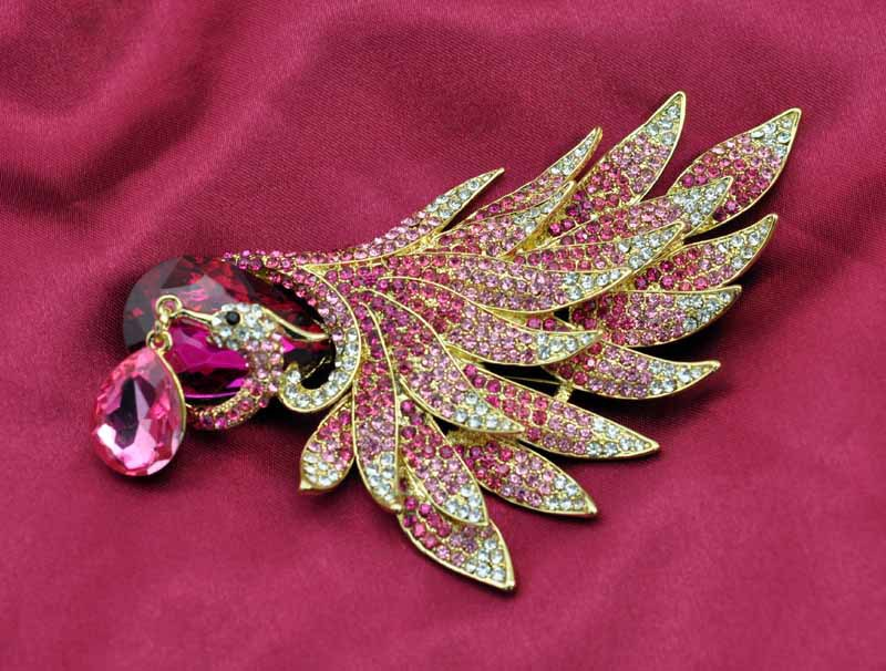 Fashion Gold Plated Rhinestone Gold Peacock Brooch