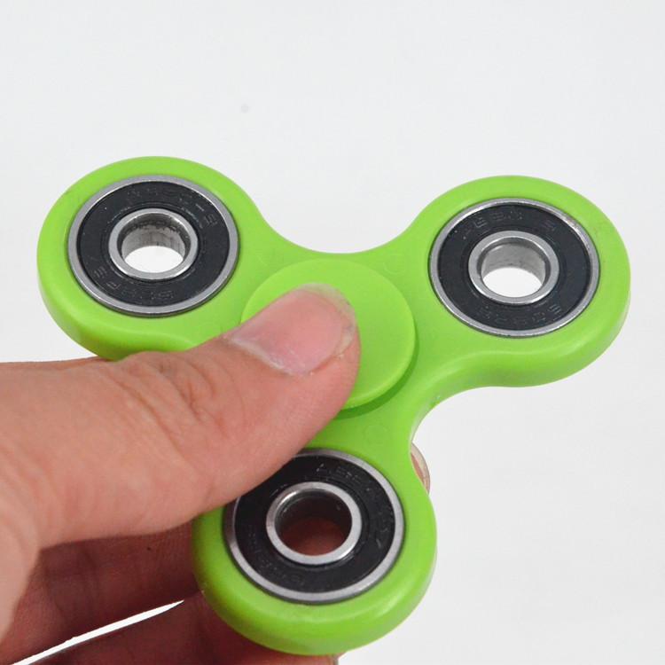 2017 Hot Sale 608 Ball Bearing Plastic Metal Colorful Fidget Spinner Hand Spinner