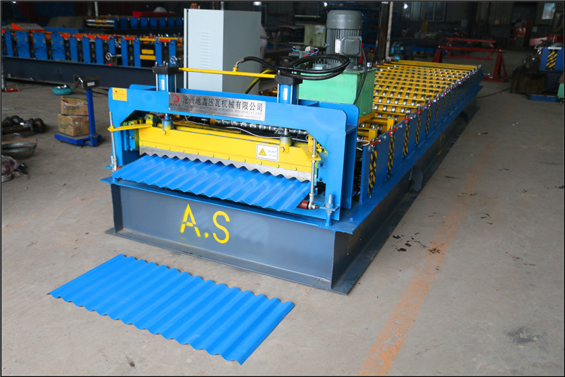 Made in China Corrugated Iron Roofing Sheet Roll Forming Machine