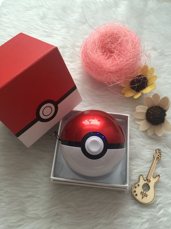 2016 Newest 9000mAh- 12000mAh Pokemon Power Bank Pokemon Ball Go Power Bank Charger