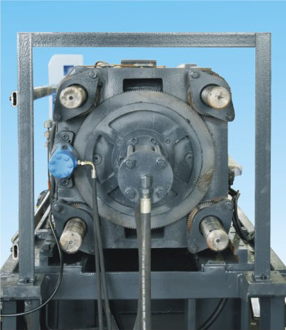 Plastic Injection Molding Machine 400 Ton (PET)