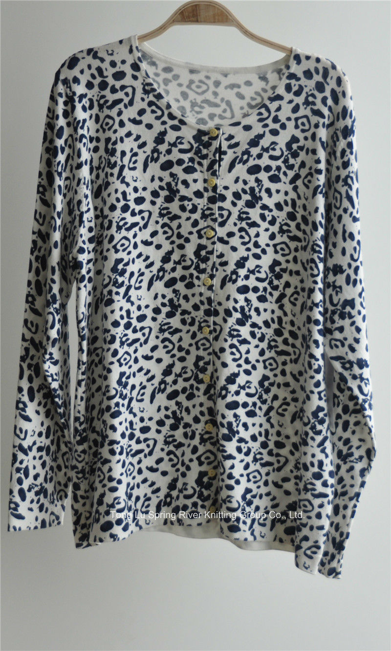 Women Round Neck Cardigan Patterned Knitwear with Button
