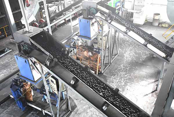 Briquette Ball Press Machine for Lignite/Charcoal Powder