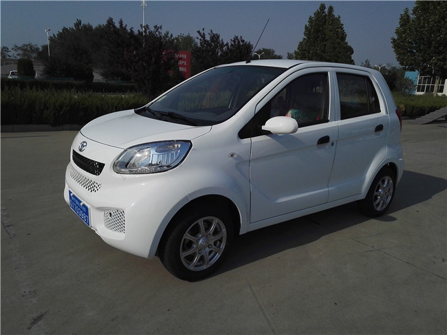 China New Model Best Selling Hot Sale Most Popular High Quality 4 Doors Cheap Mini/Small Electric Car