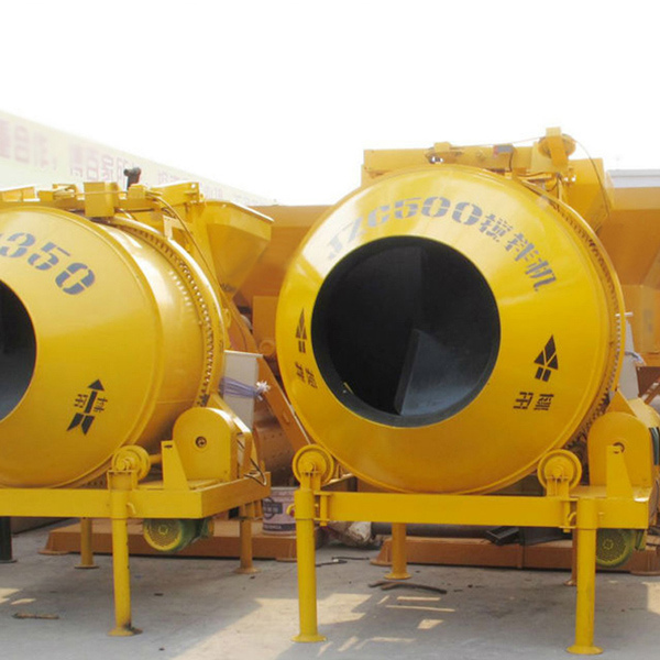 Self Loading Mobile Concrete Mixer Mixing Machine