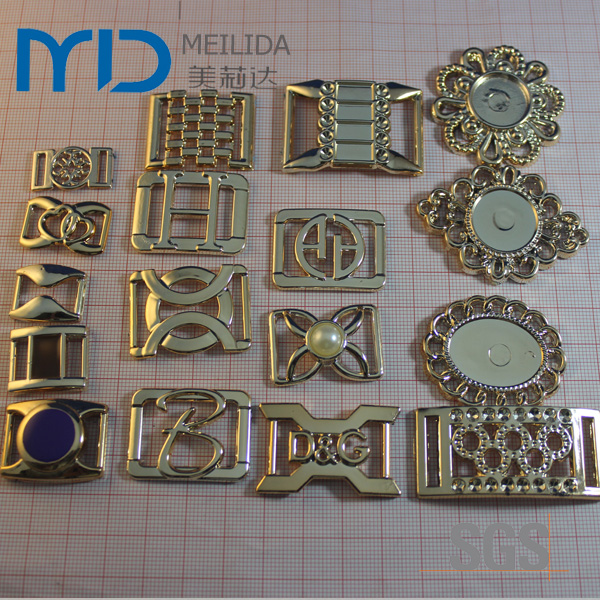 Fashion B Letter Plastic Shoe Buckles and Accessories in UV Plating