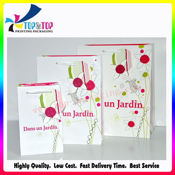 Full Color Printing Gloss Artpaper Handle Gift Bag