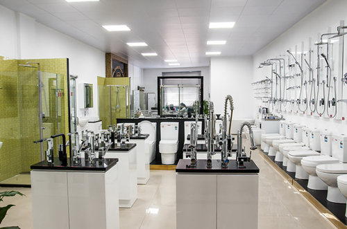 Sanitary Ware Shinning White High-Heeled Acrylic Bathroom Bathtub with Overflow (9012)