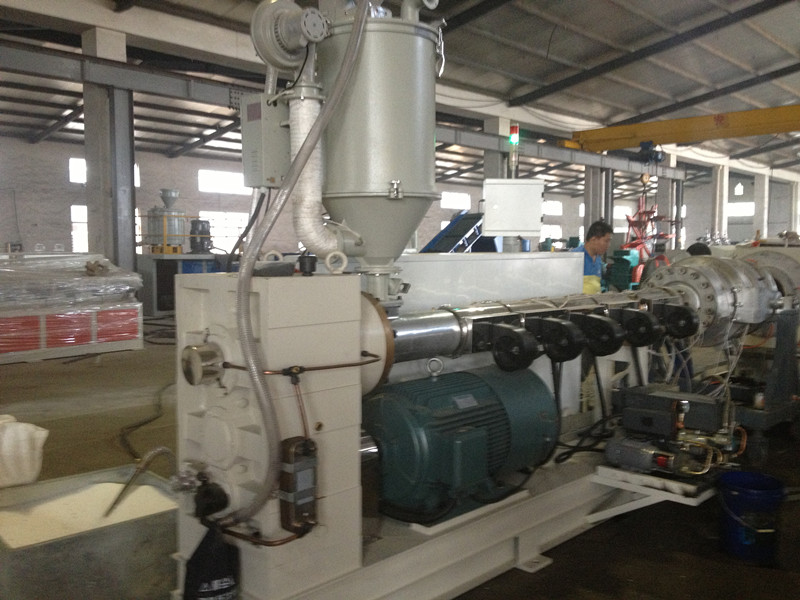Factory Sell PE Gas/Water Supply Pipe Making Machine