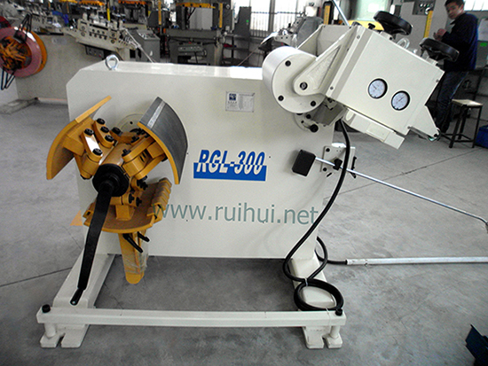 Automatic Uncoiler with Straightener Use in Press Machine